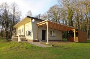 Vereinshaus mit Verkaufsstand